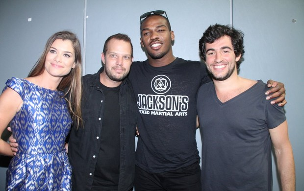 Alinne Moraes , Jon Jones, Felipe Simão (Foto: Thyago Andrade /Photo Rio News)