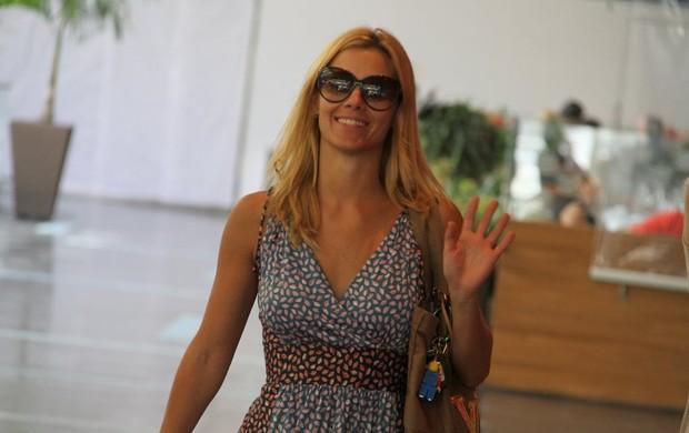 Carolina Dieckmann em shopping carioca (Foto: Daniel Delmiro / AgNews)