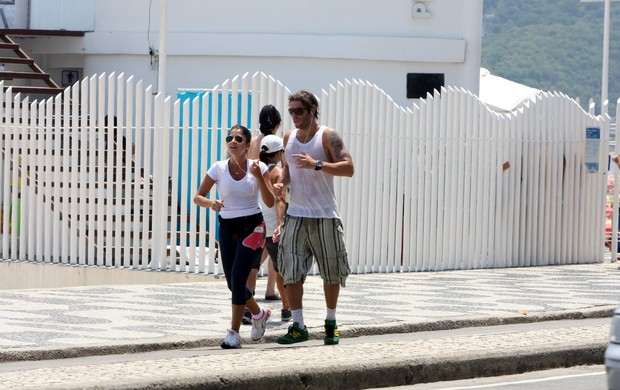 Mau Mau corre acompanhado (Foto: Gil Rodrigues/PhotoRio News)