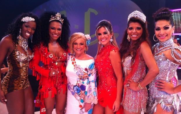 Hebe recebe Valeska Popozuda, Jaque Khury, Tania Oliveira, Simone Sampaio e Gaby Amarantos (Foto: Divulgação)