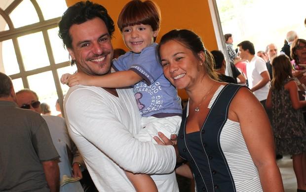 Rodrigo Lombardi com a esposa Betty e o filho Rafael (Foto: Manuela Scarpa/Photo Rio News)
