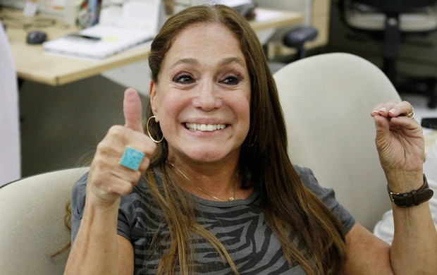 Susana Vieira na redação do EGO (Foto: Jessica Monstans / EGO)