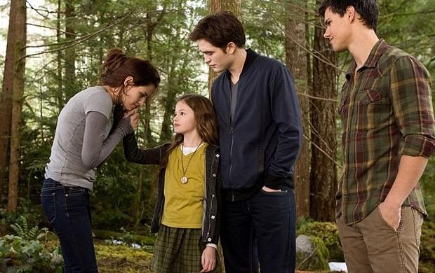 """Kristen Stewart e Robert Pattinson em """"Amanhecer-Parte 2"""" (Foto: Divulgação)"""