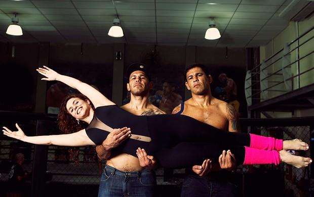 Roberta Appratti, Minotauro e Minotouro posam para o EGO (Foto: Marcos Serra Lima/EGO)
