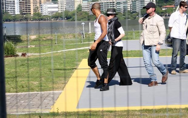 Madonna no heliponto da Lagoa (Foto: Gil Rodrigues / Foto Rio News)