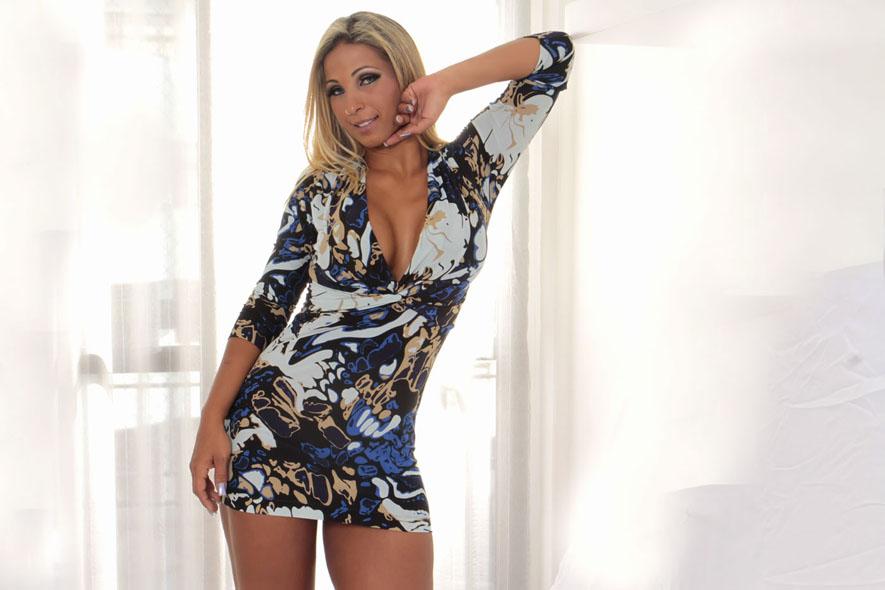Valesca Popozuda faz questão que os vestidos sejam chiques