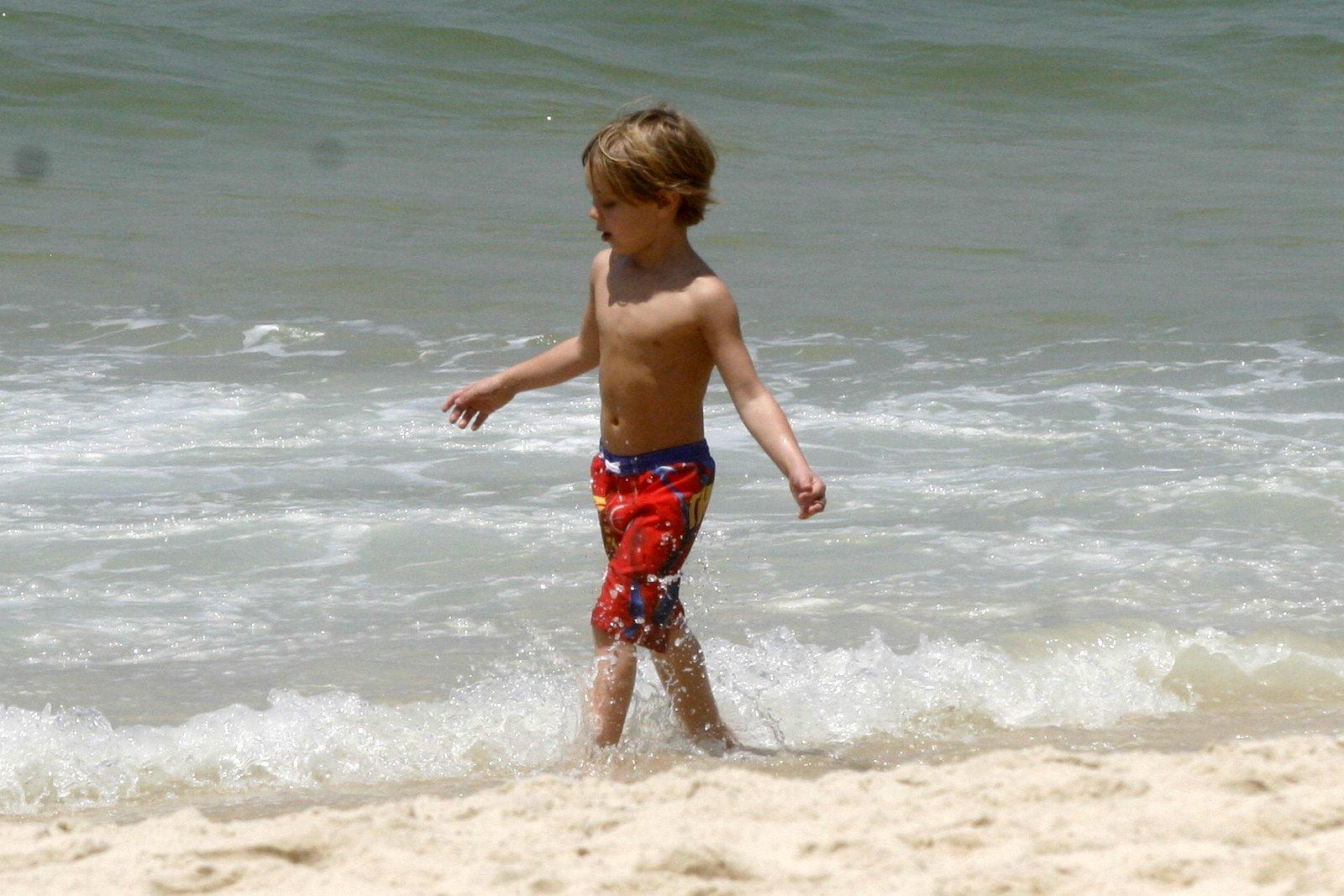 Jayden ficou encantado com o mar