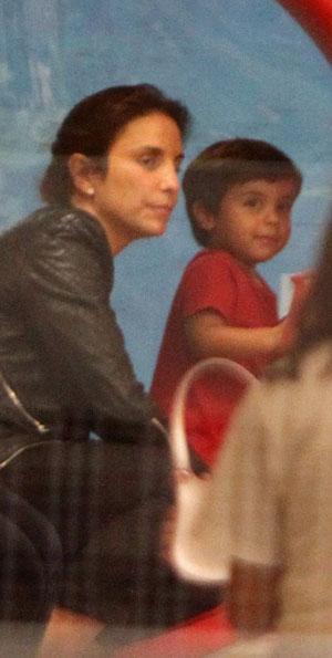 Ivete Sangalo com o filho MArcelo em shopping no Rio (Foto: Delson Silva/ Ag. News)