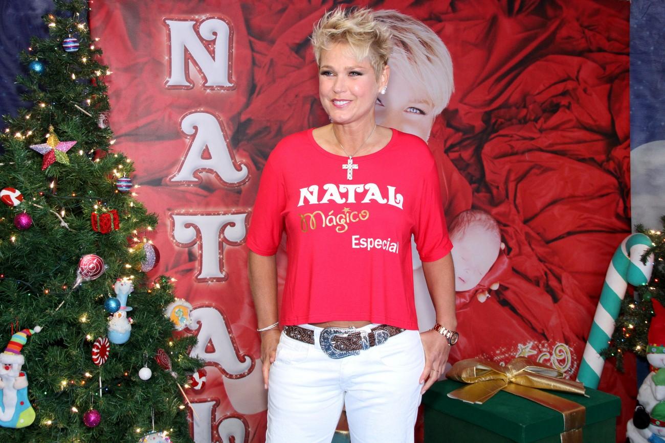 Xuxa participou do 'Natal Mágico', show beneficente que aconteceu neste sábado, 3, no Maracanãzinho, no Rio de Janeiro