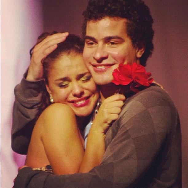 Paloma Bernardi e Thiago Martins (Foto: Reprodução/Twitter)