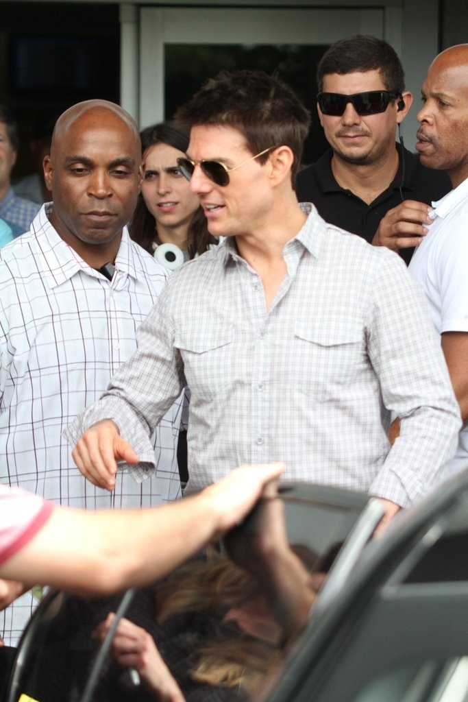 Tom Cruise desembarca em aeroporto no Rio (Foto: Delson Silva/Ag News)