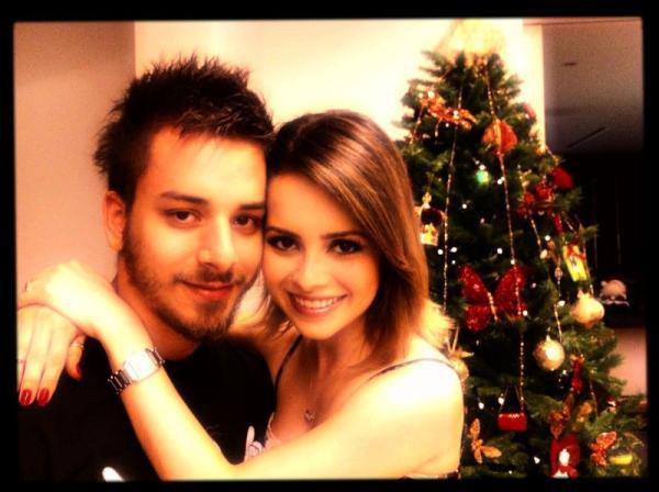 Sandy e Junior na noite de Natal (Foto: Reprodução / Twitter)