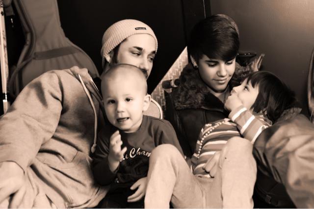 Família de Justin Bieber (Foto: Reprodução/ Twitter)