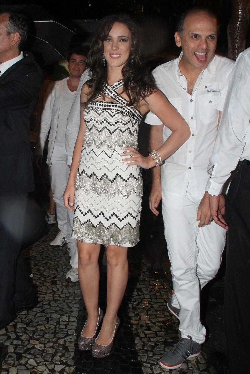 Adriana Birolli foi à festa do Copacabana Palace, no Rio