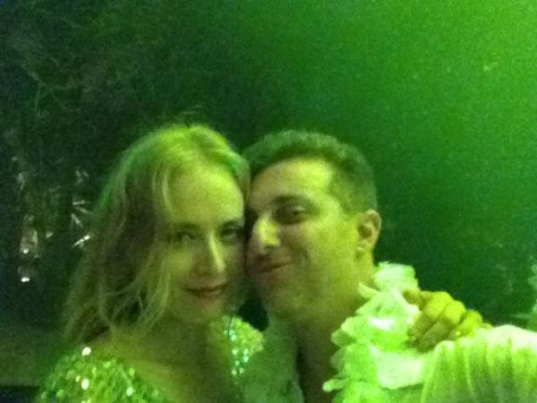 Angélica e Luciano Huck em sua festa de Réveillon (Foto: Reprodução / Twitter)