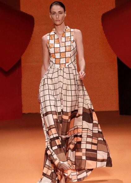 Viviane Orth abre o desfile da Cholet no Fashion Business nesta terça-feira, 10