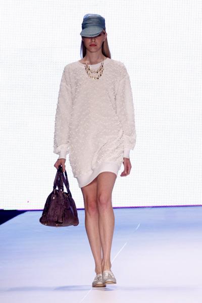 A Anju Anju estreou no Fashion Business nesta terça-feira, 10, no Rio.