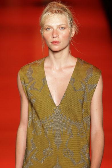 A Coven foi a segunda grife a desfilar nesta quarta-feira, 11, no Fashion Rio