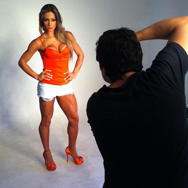 A ex-BBB Mayra Cardi (Foto: Reprodução / Twitter)