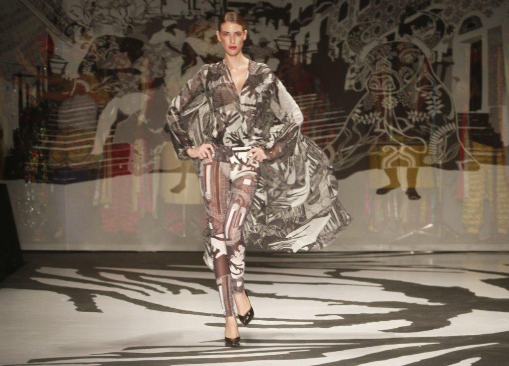 Desfile da grife Victor Dzenk encerrou o Fashion Business nesta sexta-feira, 13.