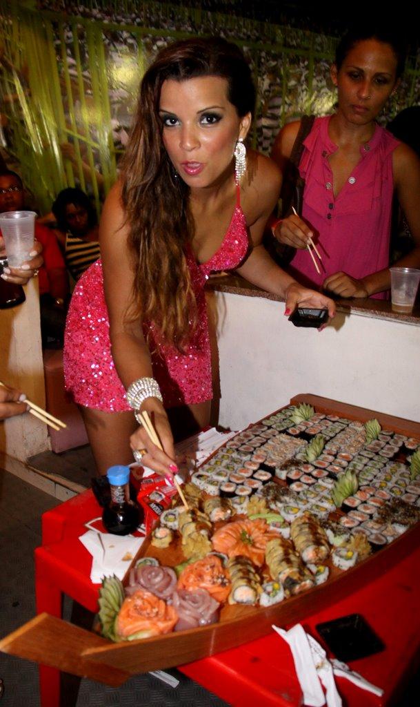 Renata Santos come sushi (Foto: Ag.News/Ag.News)