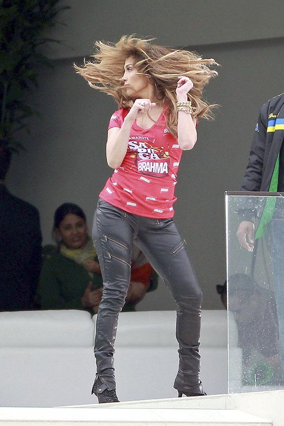 Jennifer Lopez em gravação em Los Angeles, nos EUA (Foto: Honopix)