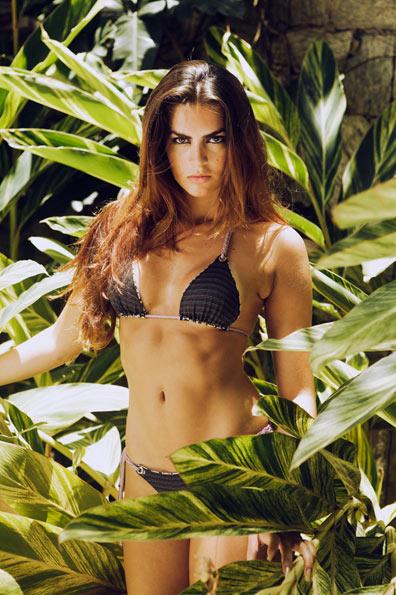 Renata está acostumada com a exibição do corpo. É modelo desde os 14 anos