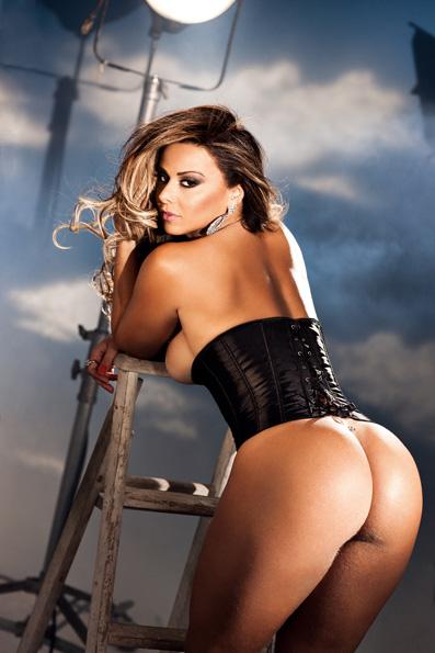 Viviane Araujo na revista Sexy (Foto: Divulgação)