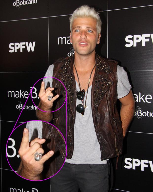 Bruno Gagliasso na SPFW - detalhe anel (Foto: Alex Palarea / AgNews)