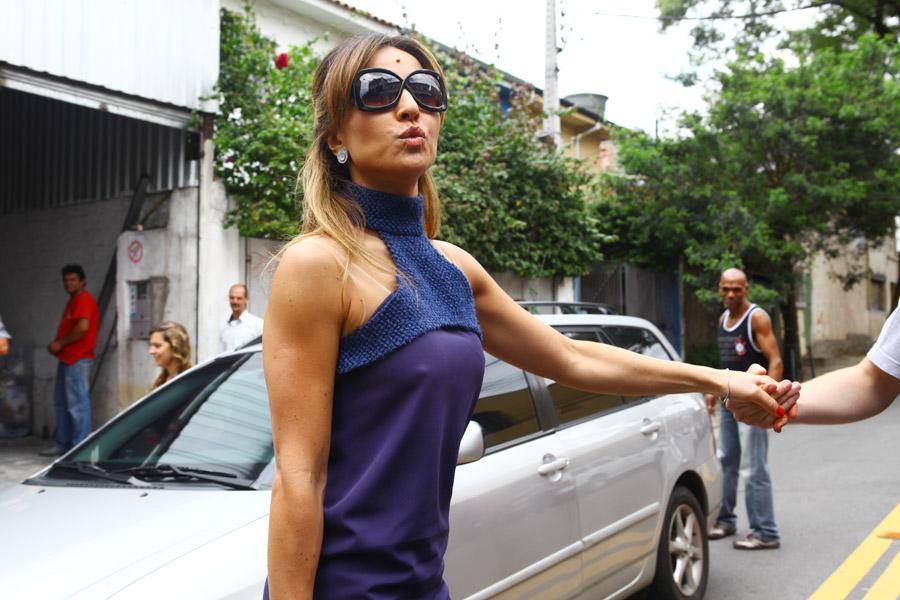Sabrina Sato foi ao desfile de Pedro Lourenço nesta sexta-feira, 20