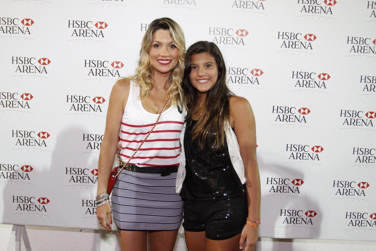 Flávia Alessandra com a filha Giulia