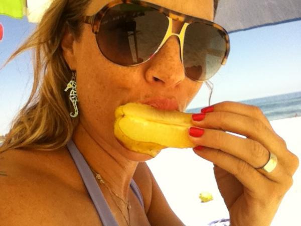 Luana Piovani na praia (Foto: Reprodução/Twitter)