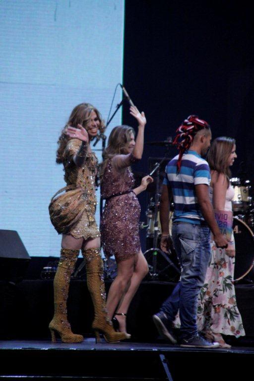 Grazi Massafera no prêmio Orilaxé, no Rio (Foto: Felipe Assunção e Philippe Lima/Ag News)