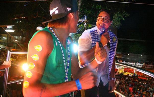 Neymar Canta no trio de Xanddy (Foto: Divulgação)