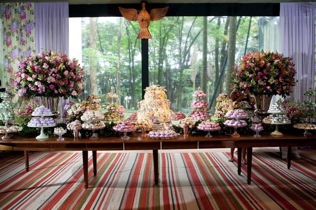 Detalhe da mesa de doces da festa de casamento de Paulo Ricardo e Gabriela Verdeja