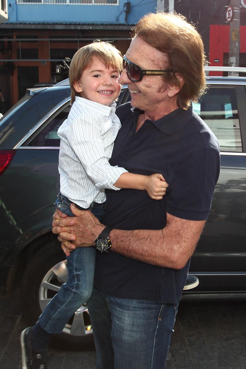 Emmo, filho de Emerson Fittipaldi, fez aniversário nesta terça, 7, em São Paulo