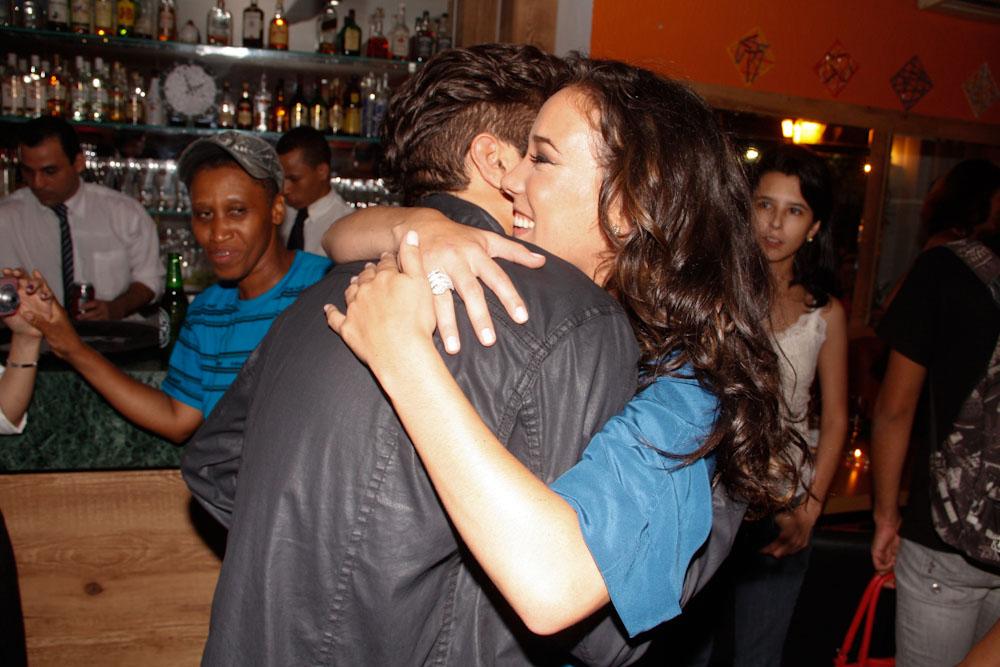 Adriana Birolli em inauguração de restaurante de Caio Castro em São Paulo