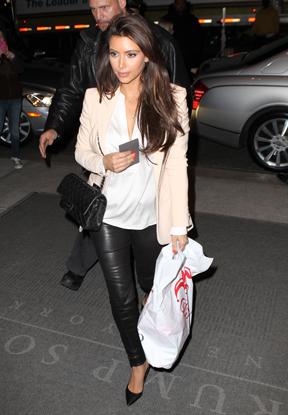 Kim Kardashian X17 - 288x415 (Foto: Agência X17)