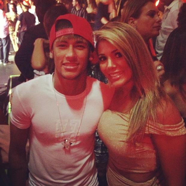 Neymar e a ex-BBB Fabiana (Foto: Twitter / Reprodução)