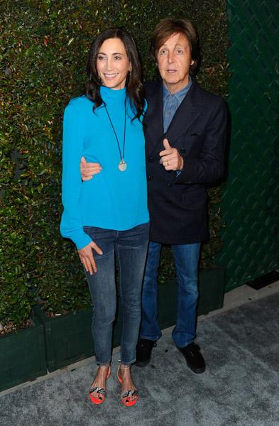 Paul McCartney e a mulher, Nancy Shevell, no lançamento do videoclipe 'My Valentine', nesta sexta-feira, 13, em Los Angeles, nos EUA. Ex-Beatle compôs a música em homenagem a Nancy