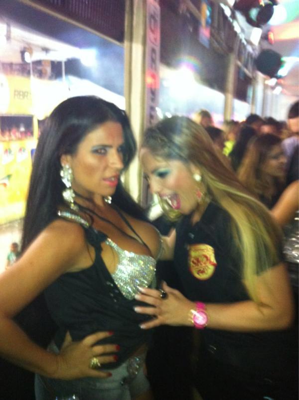 Anamara brinca com Solange Gomes (Foto: Reprodução /Twitter)