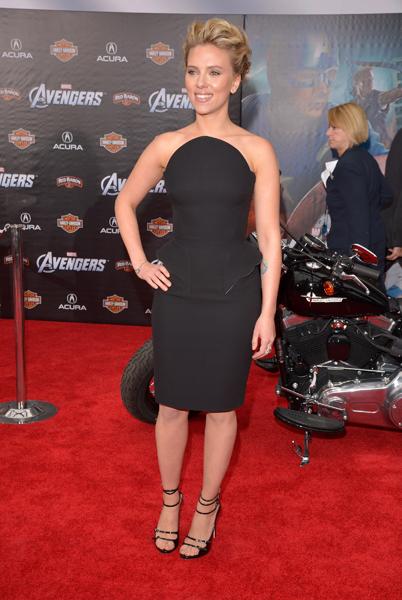 Em outra pré-estreia do mesmo filme, a atriz Scarlett Johansson já havia aparecida com o babadinho