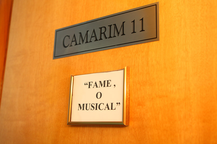 Paloma Bernardi divide o camarim 11 do Teatro Frei Caneca com a sua atriz alternante Corina Sabbas
