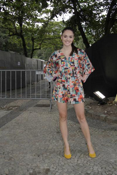 Isabelle Drummond no Fashion Rio (Foto: Isac luz / EGO)