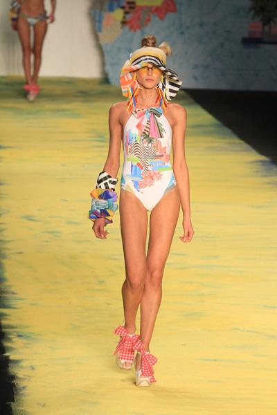 A Salinas apresentou peças com inspiração nipônica em seu desfile no Fashion Rio