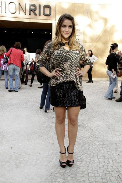 Monique Alfradique no Fashion Rio (Foto: Isac luz / EGO)