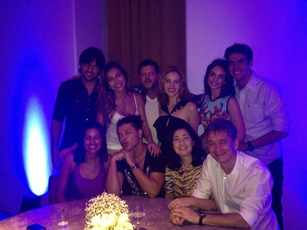 Sabrina Sato, Fabio Faria, Leona Cavalli, Carol Celico, Kaká, Ildi Silva e Serginho Groismann na festa de Ivete (Foto: Reprodução/Twitter)