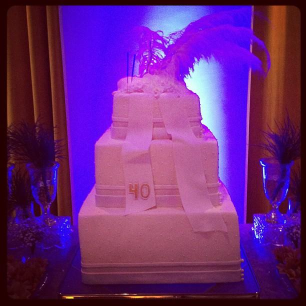 O bolo de Ivete (Foto: Reprodução/Twitter)