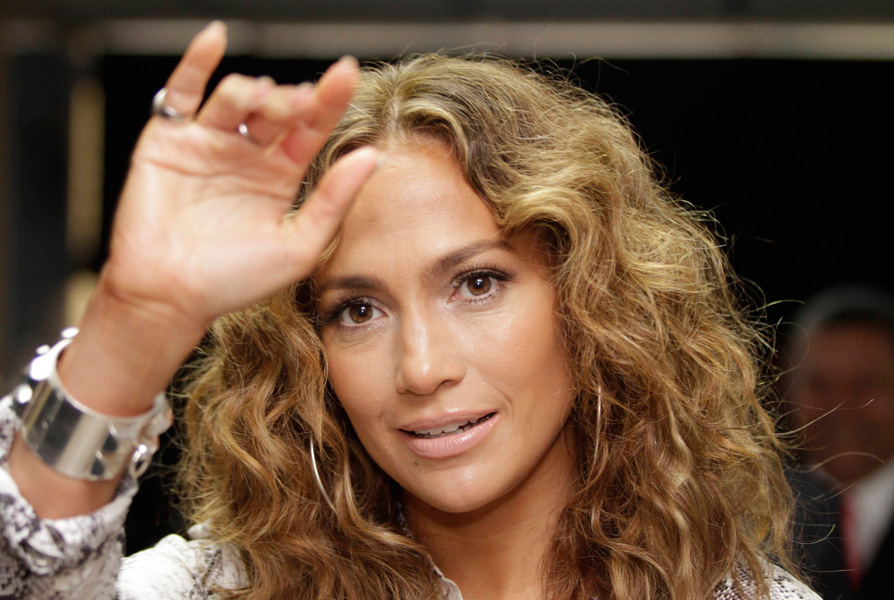 """Jennifer Lopez em look cacheado não agrada Wanderley Nunes. """"Acho péssimo, todo ressecado, espigado. O crespo bonito é o natural, bem-tratado"""", comenta"""