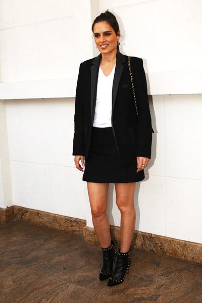 Cássia Avila foi de branco e preto, combinação de cores que voltou com tudo nas últimas temporadas